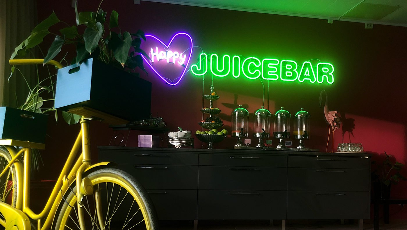 Neonskylt Happy Juicebar