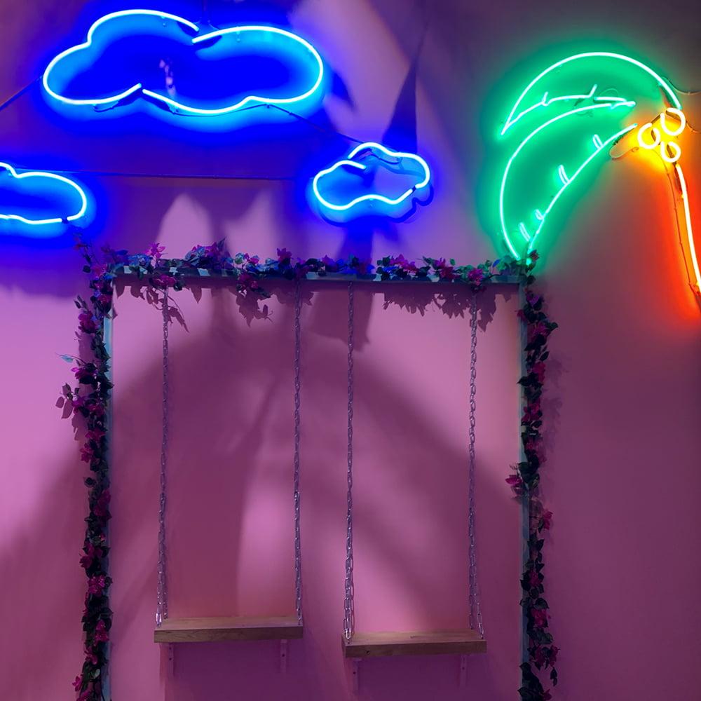 Neonskylt moln